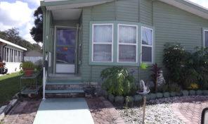 2 bedroom 2 bath  home in great 55+ park in Lakeland Harbor