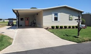 Great curb appeal, recent updates in this 2 bed/2 bath home in Swiss Golf  & Tennis